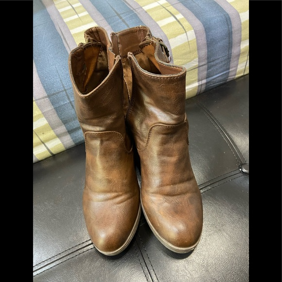CASSINOVA Brown Leather Boots